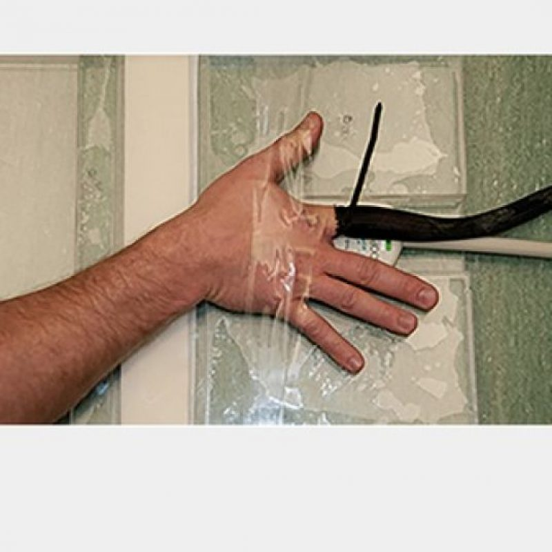 Así se realizó la prueba del crujir de los huesos. Foto:Vía Plos One