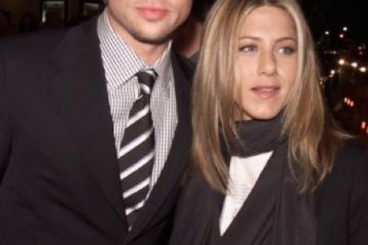Hace parte de la historia del cine: rodó con Angelina Jolie y le puso los cuernos a su esposa de entonces, Jennifer Aniston. Foto:vía Getty Images