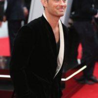 El actor británico engañó a la actriz Sienna Miller con la niñera. Foto:vía Getty Images