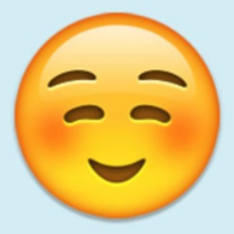Satisfacción, felicidad o cara niño bueno: Pero su verdadero uso es para coquetear con alguien. Foto:Emojipedia