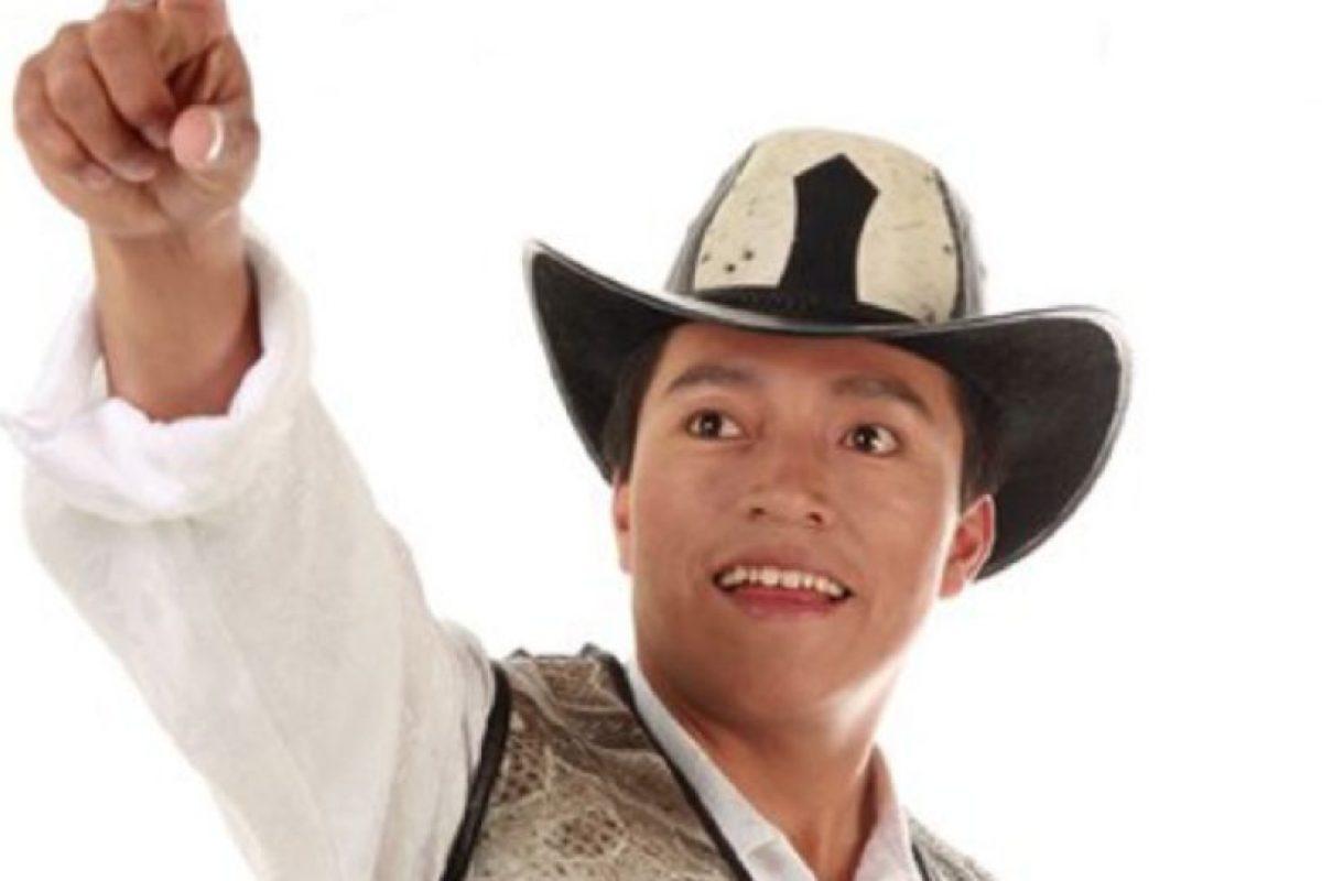 """Delfín Quishpe es ecuatoriano, se hizo famoso por """"Las Torres Gemelas"""". Foto:vía Facebook/Delfin Quishpe"""