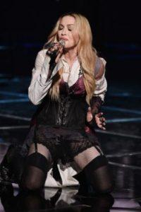 Como en el escenario…. Foto:vía Getty Images