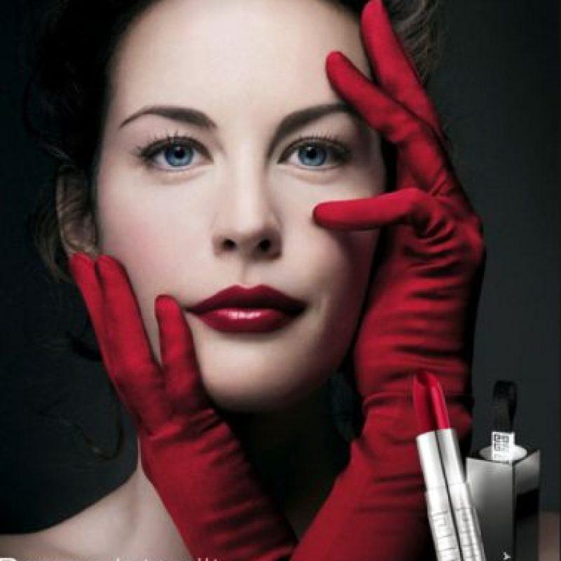 Aunque Liv está retirada, es recordada por su belleza. Foto:vía Givenchy