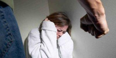 La violencia de pareja se refiere al comportamiento de la pareja o ex pareja que causa daño físico, sexual o psicológico, incluidas la agresión física, la coacción sexual, el maltrato psicológico y las conductas de control. Foto:Pinterest