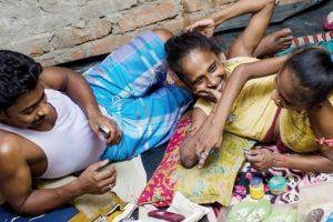 También su estómago. Se llaman Ganga y Jamuna Mondal. Foto:vía Barcroft Media
