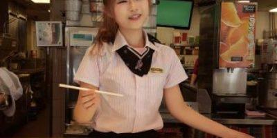 """Esta es la otra mujer que ocupa el corazón de la cajera de McDonald""""s"""