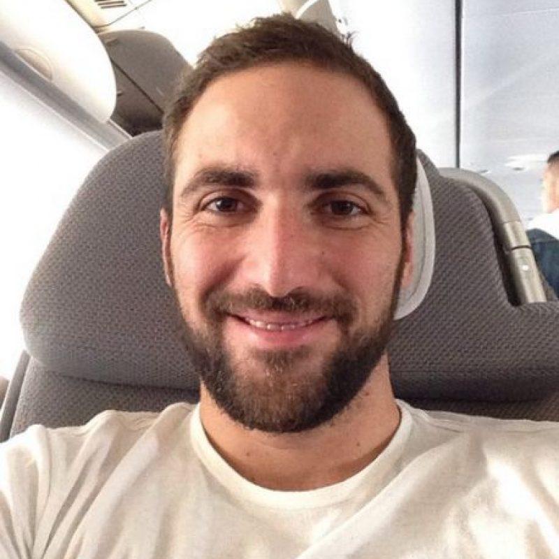 """El """"Pipita"""" es argentino y tiene 27 años. Foto:Vía twitter.com/G_Higuain"""