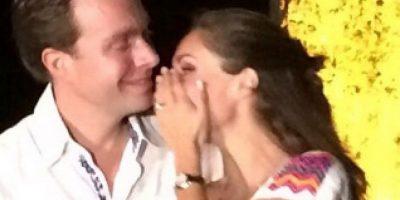 """""""Hemos compartido tantas cosas…hoy les comparto el momento más feliz de mi vida. Estamos comprometidos"""" Foto:Vía instagram.com/anahiofficial/"""