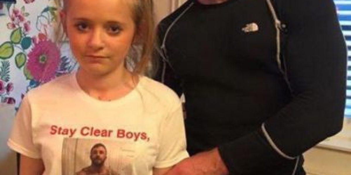¡Insólito! Papá diseña camiseta para alejar a los