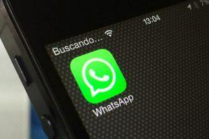 Usar la aplicación mientras se maneja. ¿Necesitan algún otro dato? Foto:AP