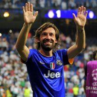 """Andrea Pirlo, ícono de la """"Juve"""", también celebró con la afición. Foto:AFP"""