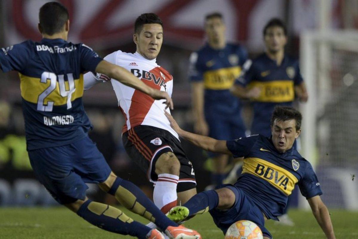 """Antes del comienzo del segundo tiempo, los jugadores de River Plate fueron rociados con gas pimienta por aficionados """"bosteros"""". Foto:Getty Images"""