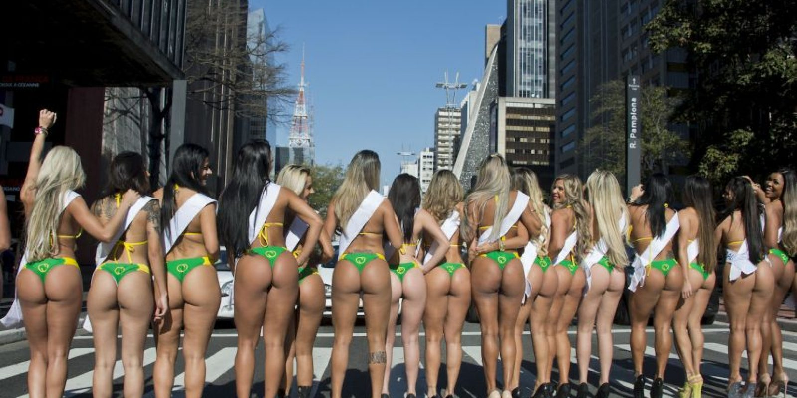 Primero se hacen las competencias regionales y después, una representante de cada departamento de Brasil accede a la gran final. Foto:AFP