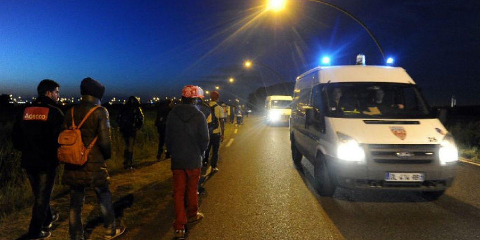 Se ha registrado un intento masivo de inmigrantes que pretenden cruzar el eurotúnel. Foto:AFP