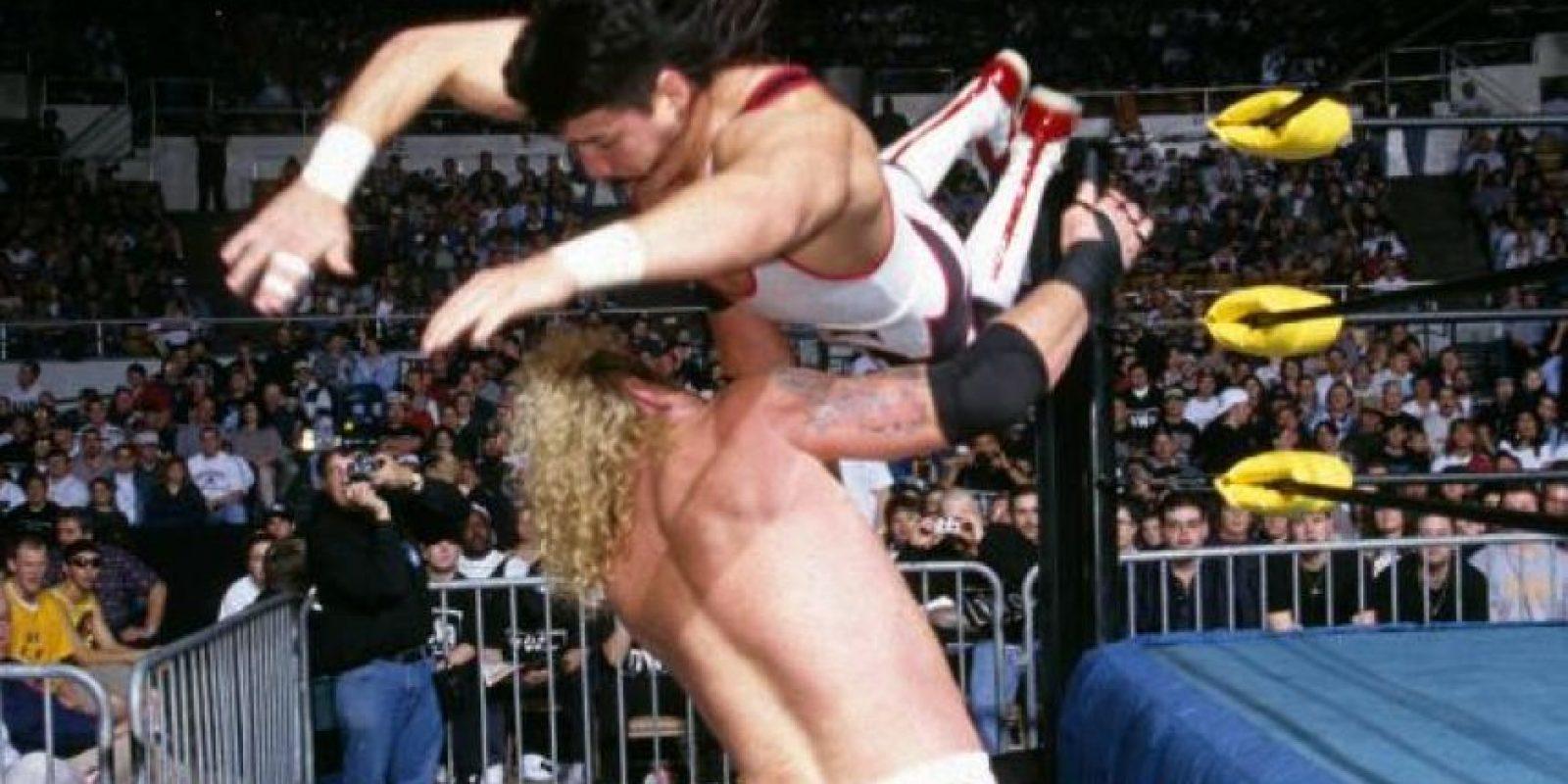 Uno de los mejores luchadores latinos que ha pisado la WWE perdió la vida en 2005 por un problema cardiaco, a los 38 años Foto:WWE
