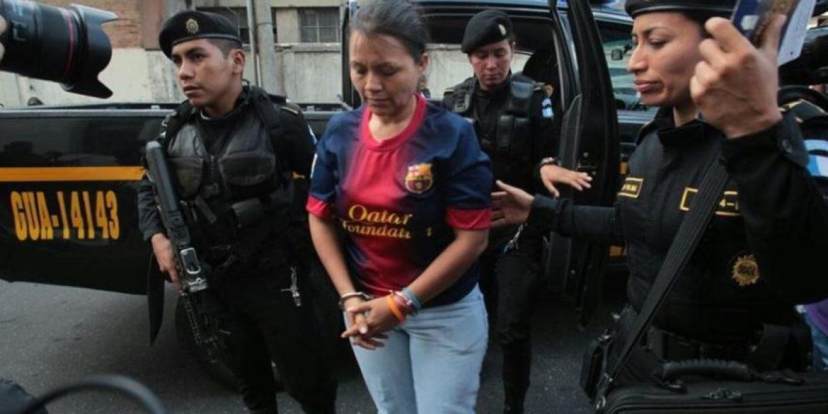 Jueza envía a prisión a esposa del alcalde de Puerto San José y sus hermanos
