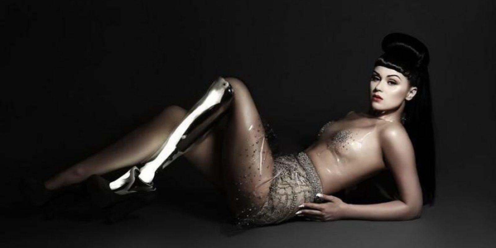 Viktoria Modesta es una cantante británica de 28 años. También es modelo. Foto:vía Facebook/Viktoria Modesta