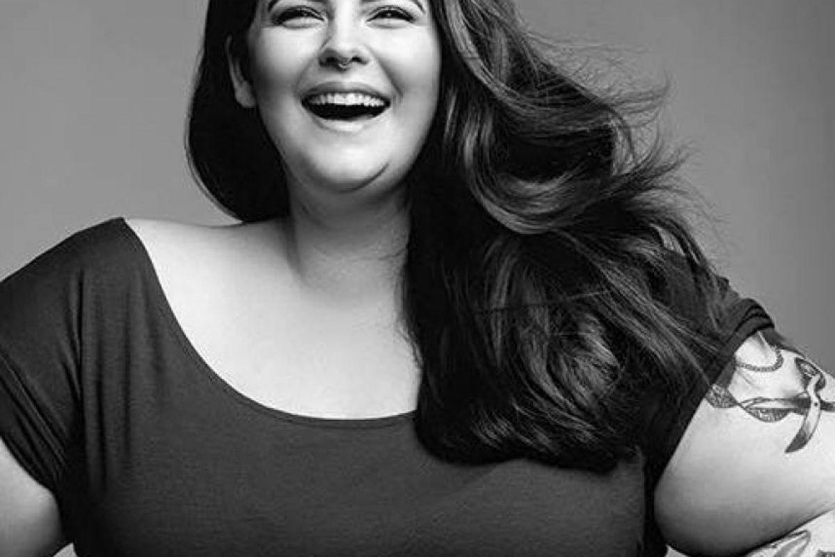 La atacan por hacer apología a la obesidad, pues tiene 113 kilos, pero ella afirma que su peso es SU asunto. Igualmente, ella tiene un entrenador personal. Foto:vía Facebook/Tess Holliday