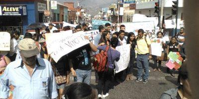 Miles de personas en el interior se unen a la manifestación