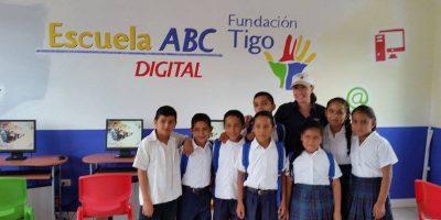 """Fundación Tigo ofrece """"cobertura"""" en educación en todo el país"""