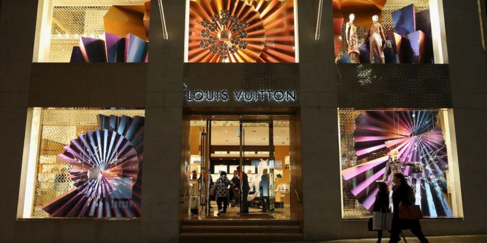 10) Louis Vuitton 29 mil 900 millones de dólares