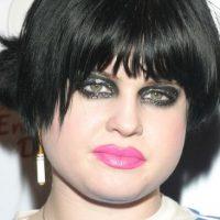 Kelly Osbourne no siempre lució como una gran estrella de televisión. Así era en el reality de su padre.Esta foto se la tomaron en diciembre de 2003. Foto:Getty Images