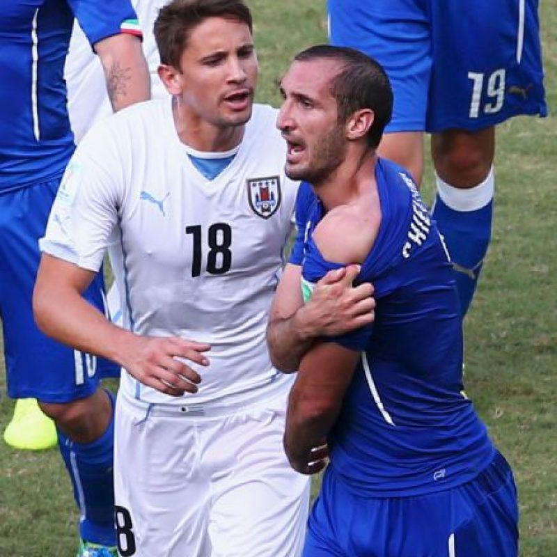 Sin embargo, Chiellini siempre se mostró benevolente con Suárez, incluso, llegó a decir que el asunto quedaba olvidado y consideró exagerado el castigo de la FIFA para él. Foto:Getty Images