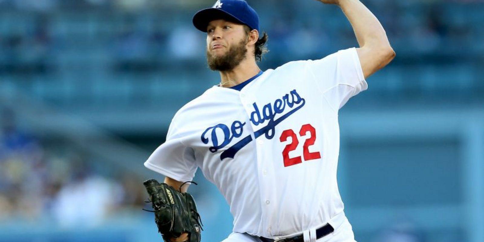 """Considerado el mejor pitcher actualmente en las Grandes Ligas, Los Ángeles Dodgers """"blindaron"""" a Kershaw con un contrato por 30.78 millones de dólares al año. Foto:Getty Images"""