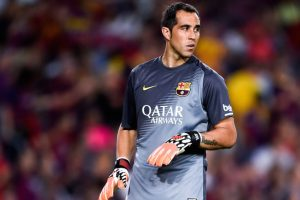 El único cambio en el Barcelona es Claudio Bravo en lugar de Ter Stegen. Foto:Getty Images