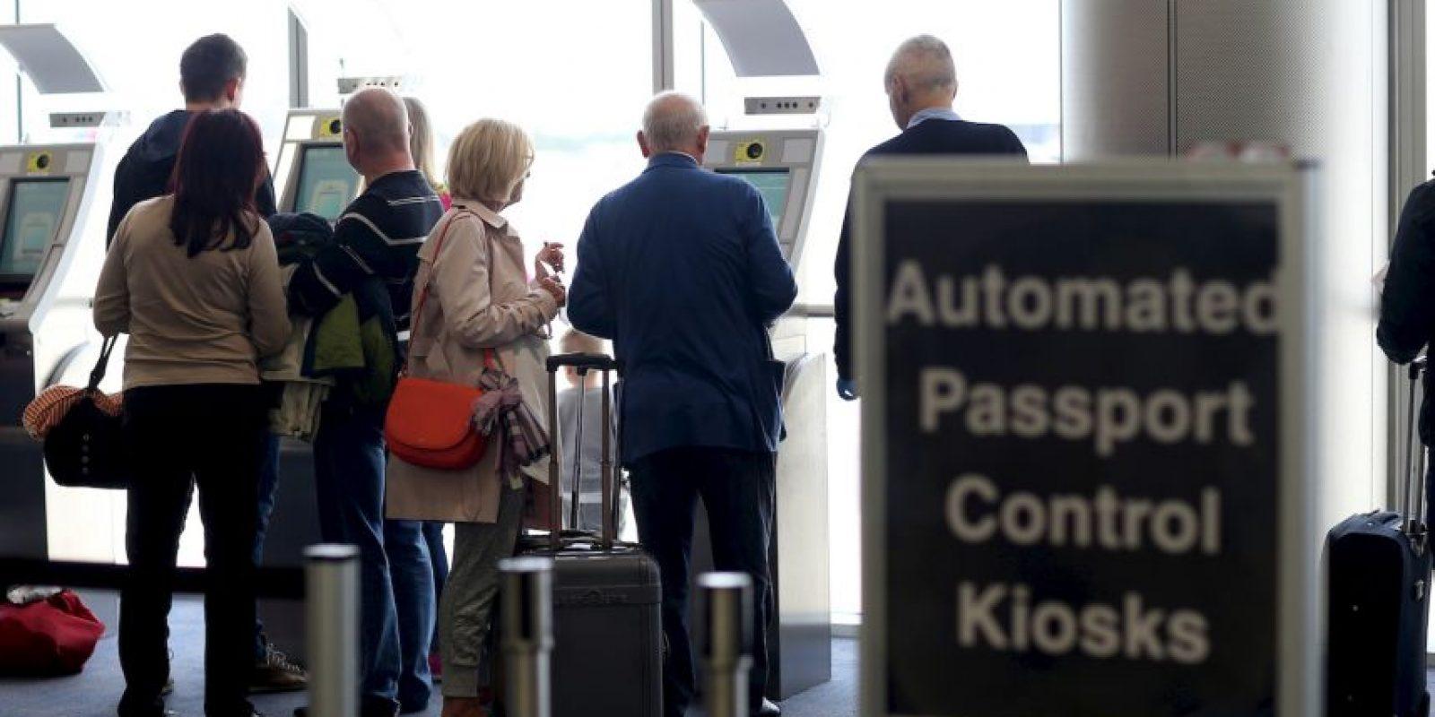"""9. Según """"CNN"""", los estadounidenses tienen que informar de todas las cuentas que tienen en el extranjero con más de 10 mil dólares. Foto:Getty Images"""