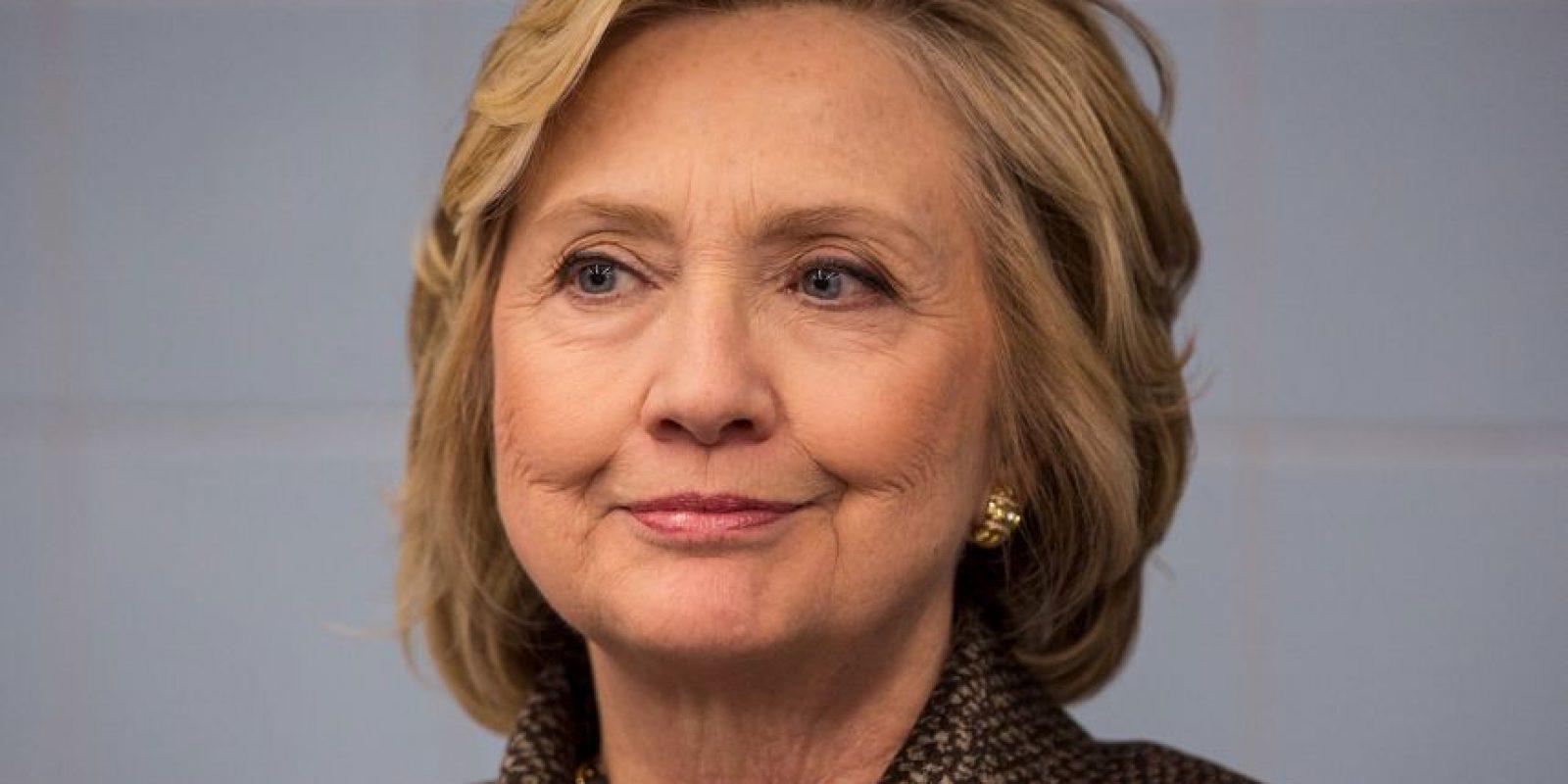 """6. Según el periódico británico """"The Guardian"""", se estima que durante le periodo de 2009 a 2012, cuando la precandidata se desempeñaba como Secretaria de Estado, su esposo, el expresidente Bill Clinton, devengó 50 millones de dólares por concepto de discursos y apariciones públicas. Foto:Getty Images"""