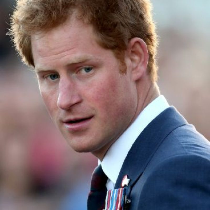 El Príncipe Harry, de 30 años, ha sido un pieza de mucho cuidado pero parece que está sentando la cabeza Foto:Getty Images