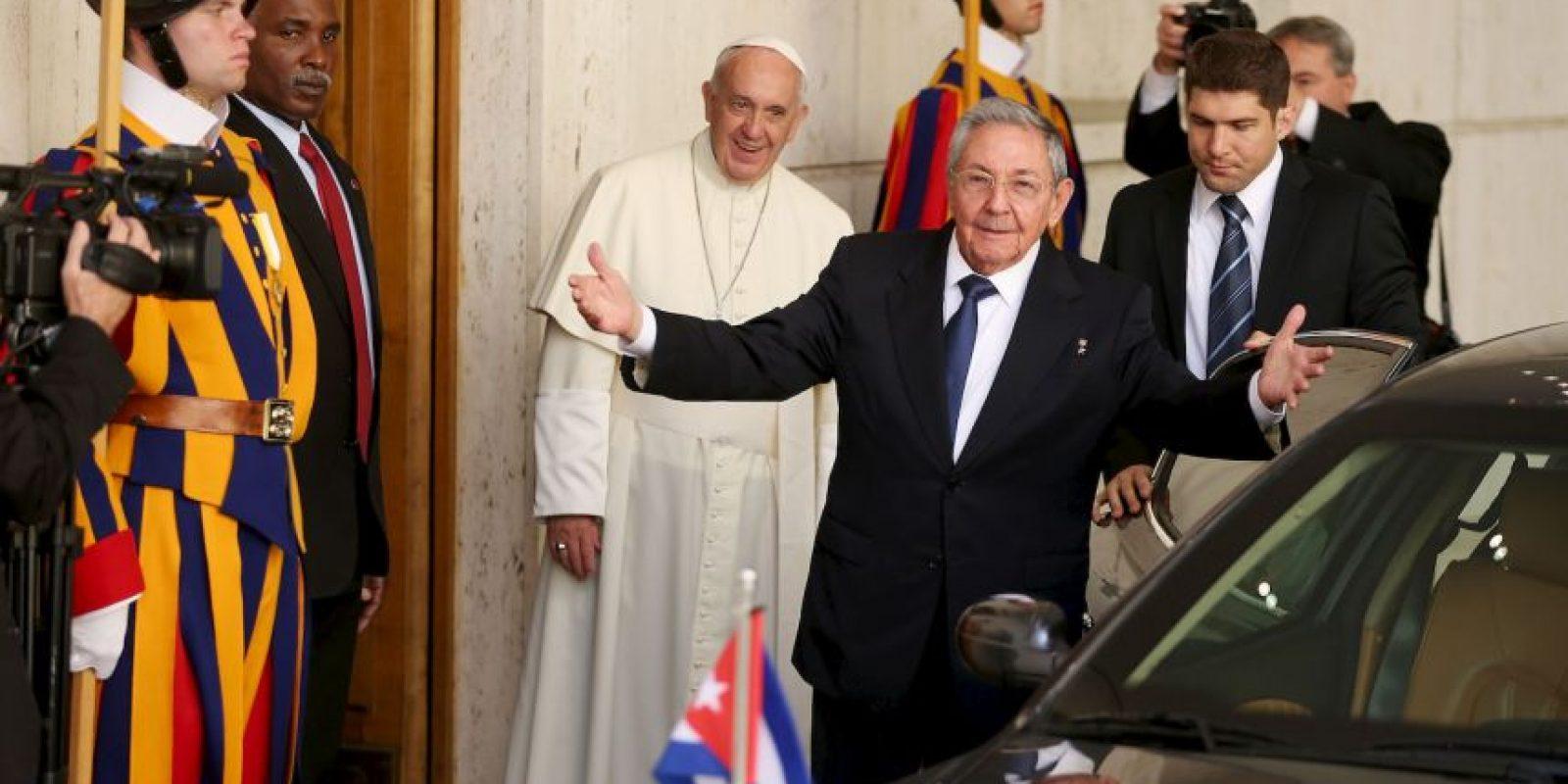 Después de la visita al Vaticano Castro se reunió con el primer ministro italiano Matteo Renzi. Foto:Getty Images