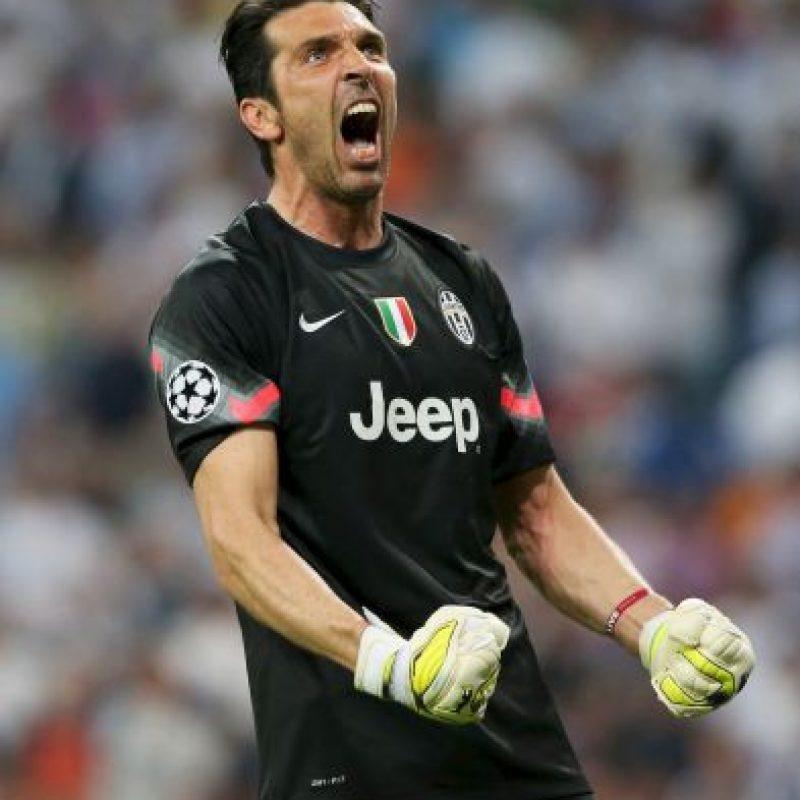 Gianluigi Buffon, ídolo del equipo, no ocultó la emoción del momento. Foto:Getty Images