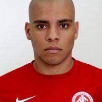 Tuvo mala suerte al celebrar el primer gol de su carrera al estilo de Hugo Sánchez. Foto:Getty Images