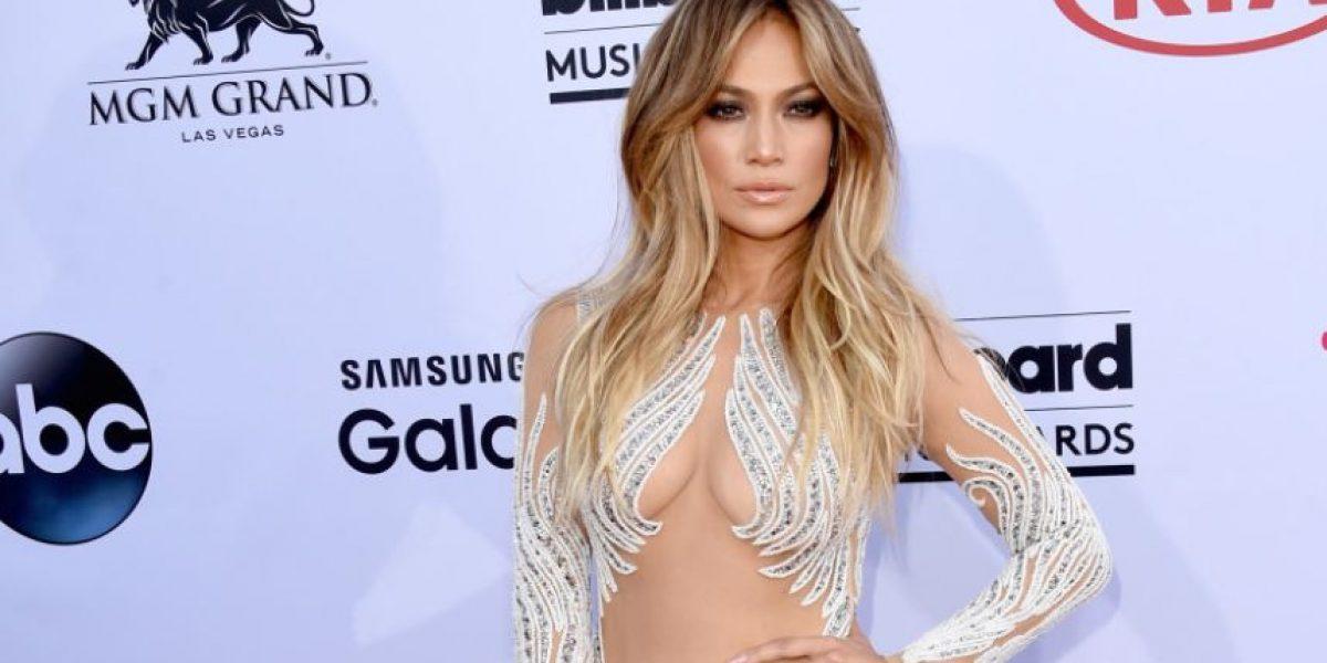 FOTOS. El sensual escote de Jennifer López fue el protagonista de los Billboard