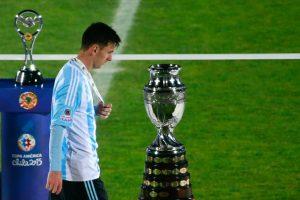 """Javier Zanetti también se puso del lado de Messi: """"No comparto las críticas a Messi, voy a seguir diciendo que es el mejor del mundo. Se encontró con un partido incómodo. Chile llevó el partido donde quería llevarlo y por eso fue una Final complicada"""". Foto:Getty Images"""