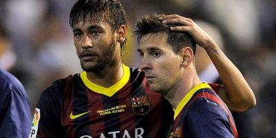El brasileño, y su equipo, hicieron una visita a las instalaciones del Barcelona y fue Messi el encargado de mostrárselas a Neymar. Foto:Getty Images