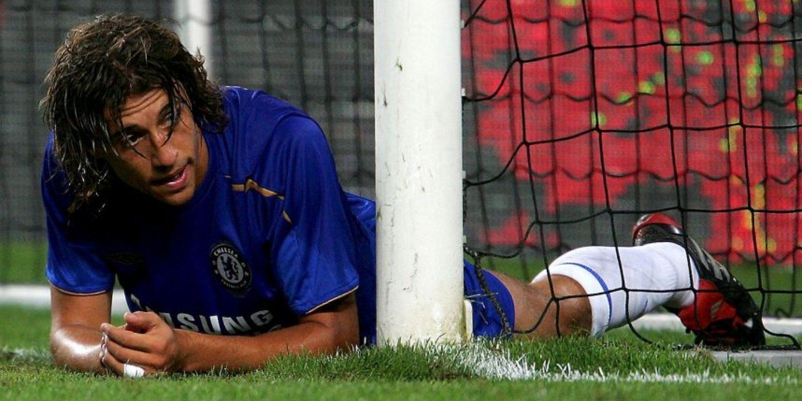 El delantero argentino llegó con el AC Milán la final de la Champions League en la temporada 2004-2005 tras caer en semifinales en las dos ediciones anteriores, una con el Inter de Milán y otra con el Chelsea. En el duelo definitivo en Estambul, Crespo marcó dos goles en el primer tiempo que terminó con un 3-0 a favor de su equipo, pero en la parte complementaria todo mundo sabe lo que pasó… Liverpool, su rival, empató el marcador en el segundo tiempo y llevó la definición a los penales, donde se coronó monarca de Europa. Foto:Getty Images