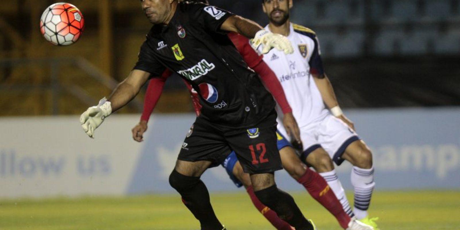 Municipal cayó 0-1 contra el Real Salt Lake en su debut en la Liga de Campeones. Foto:AFP y AP
