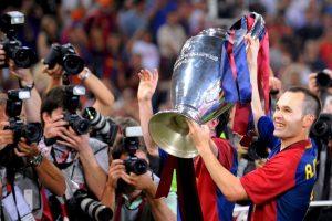 """El """"cerebro"""" del Barça lleva esta cantidad de trofeos no sólo con los """"Culés"""", también tiene 1 Mundial y 2 Eurocopas con la selección de España. Puede presumir también de 7 Ligas de España y 3 Champions League, entre otros. Foto:Getty Images"""