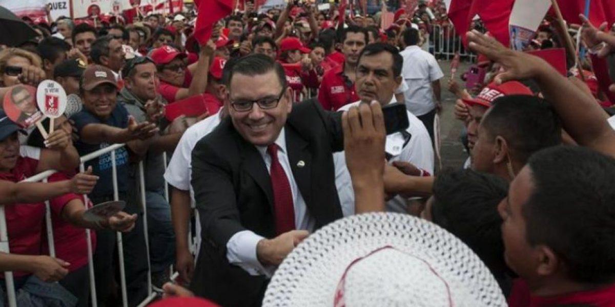 La UNE impugna candidatura presidencial de Manuel Baldizón