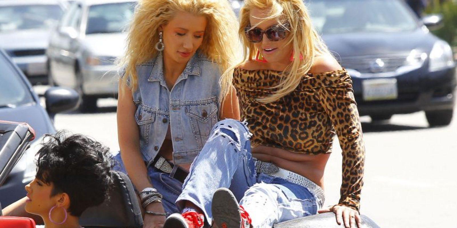 "1. Britney Sperars e Iggy Azalean interpretarán ""Pretty Girls"" Foto:Grosby Group"