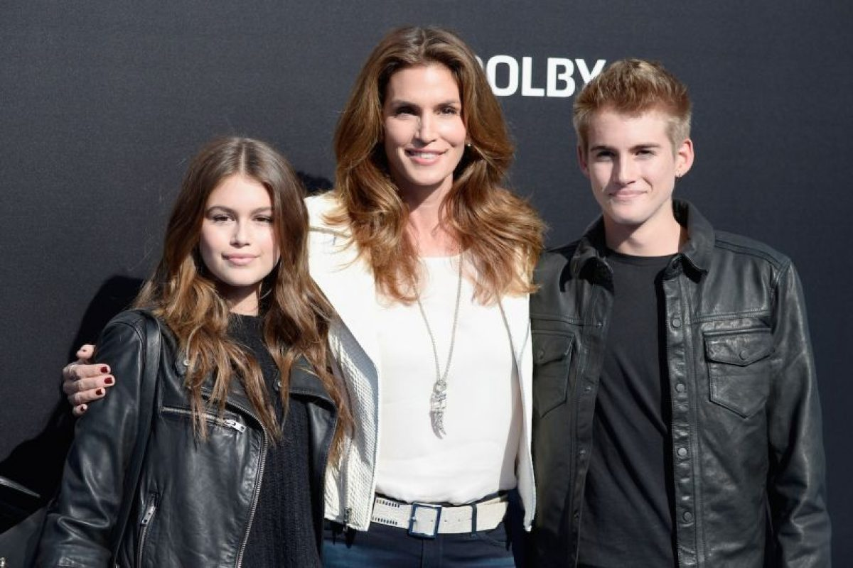 Kaia Gerber, Cindy Crawford y Presley Gerber Foto: Getty Images