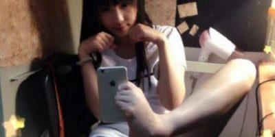 FOTOS: Selfies con los pies, la nueva tendencia en redes sociales de China