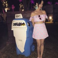 La cantante decidió probar la comida típica de Tailandia. Foto:Instagram/KatyPerry