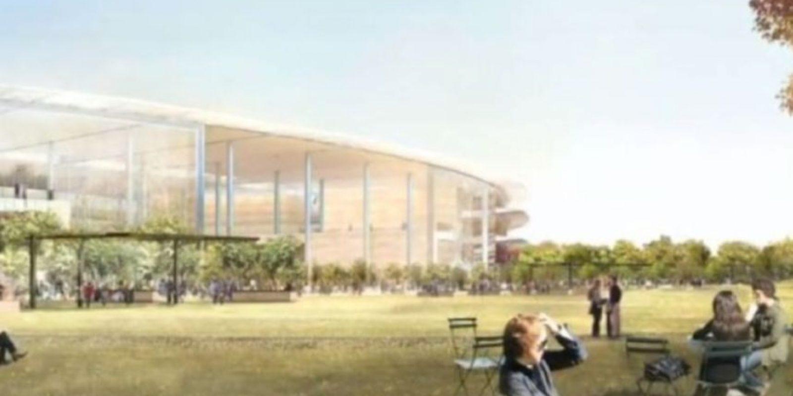 El complejo cuenta con una gran cantidad de áreas verdes. Foto:Apple