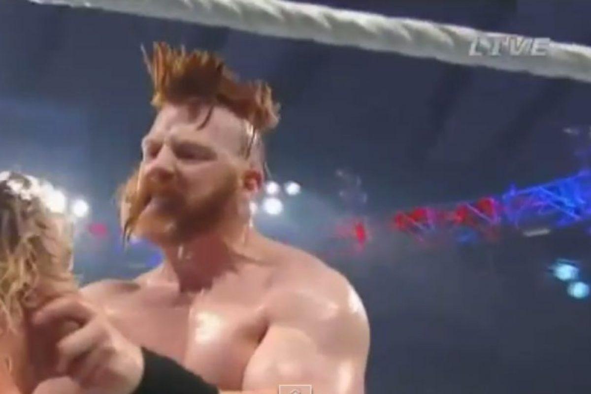 La lucha entre Sheamus y Dolph Ziggler fue violenta Foto:WWE