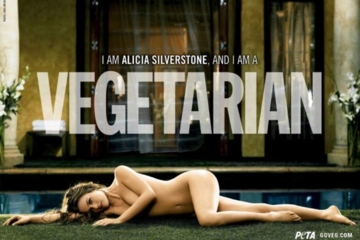 En 2007, la actriz invitó a las personas a volverse vegetarianas. Foto:PETA