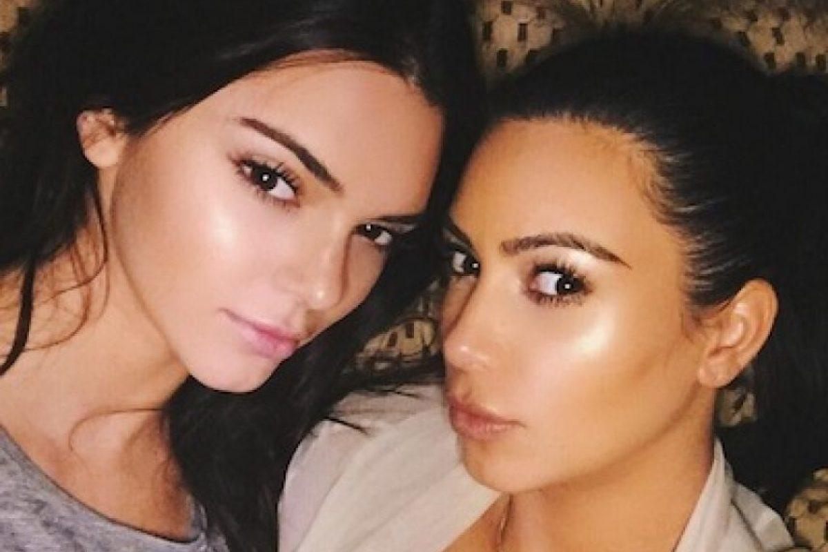 El parecido que la estrella televisiva tiene con Kendall es evidente pero razonable Foto:Instagram/KimKardashian